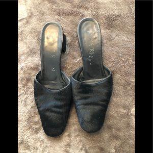 ad6e418ca53 Anne Klein black cow hide slip on heel size 7.5